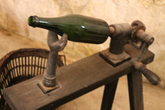 Traditional Champagne fabrication / Fabrication traditionnelle du Champagne