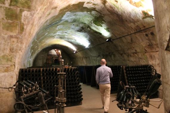 Under the ground in the cellar  / En sous-sol à la cabe