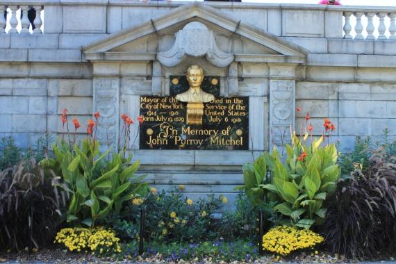 Memorial for one of NY's mayor / Memorial en l'honneur d'un des maires de NY