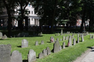 Granary Burying Ground, where protagonists of the independence rest such as Paul Revere or John Hancock.
