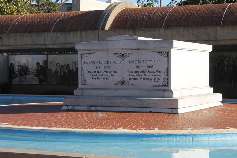 Atlanta - Martin Luther King tombstone